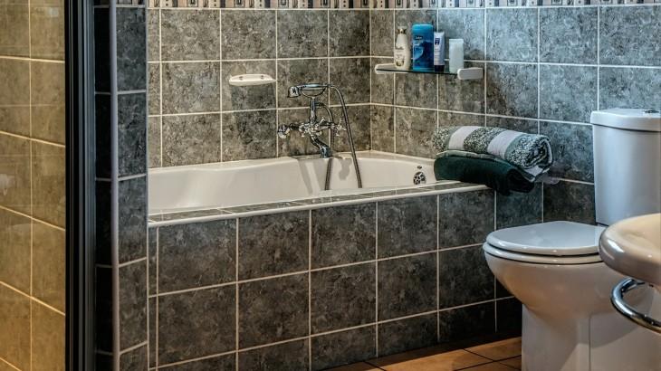 bathroom-490781_1280