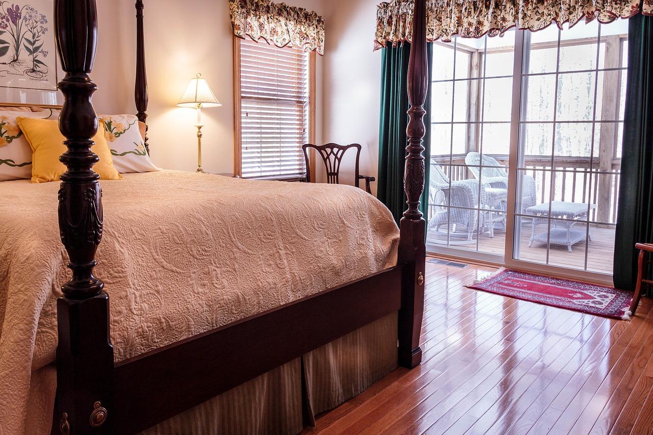 bedroom-670249_1280 (1)