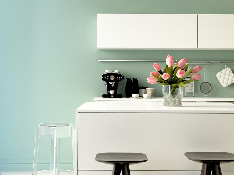 helle moderne küche in einem loft