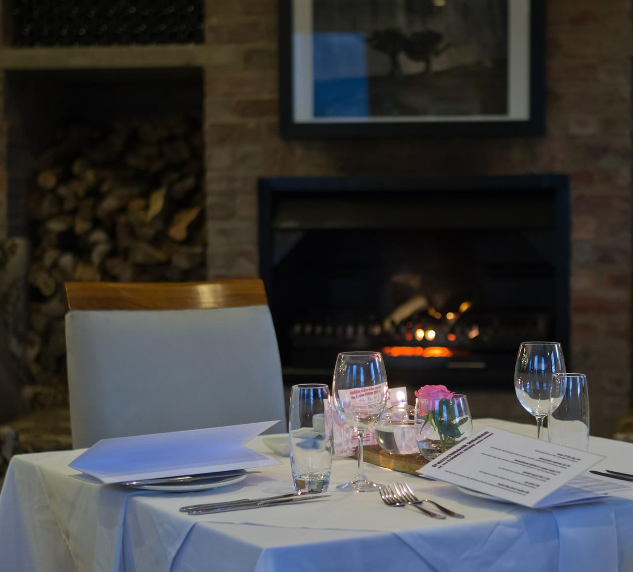 restaurant-383087_1280