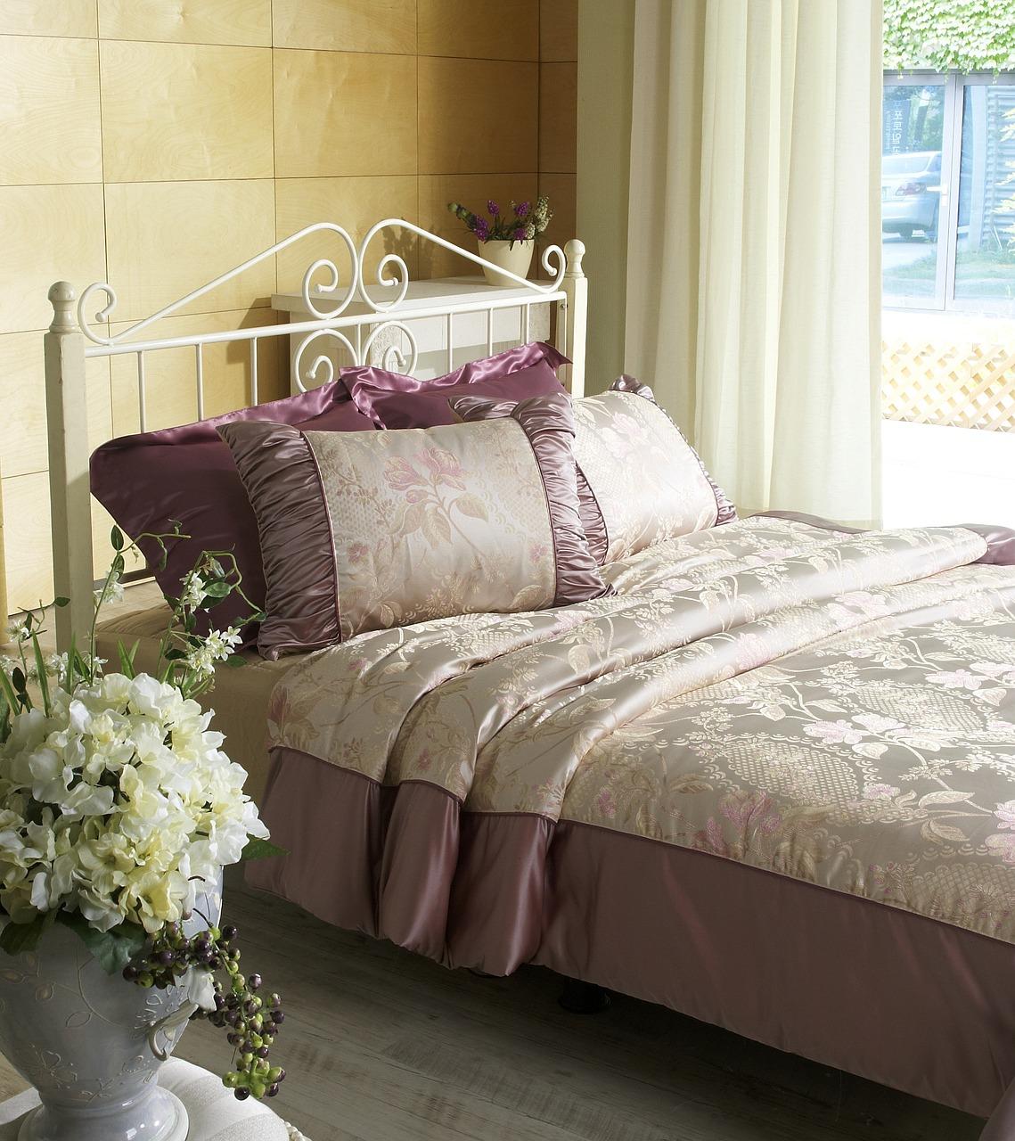 bedroom-668751_1280
